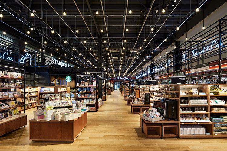 TSUTAYA BOOKSTORE APIT東雲店