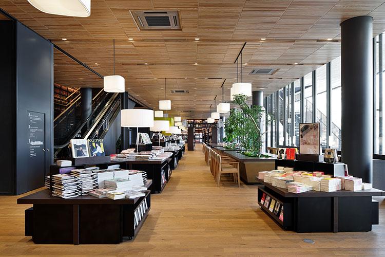 蔦屋書店 周南市立徳山駅前図書館